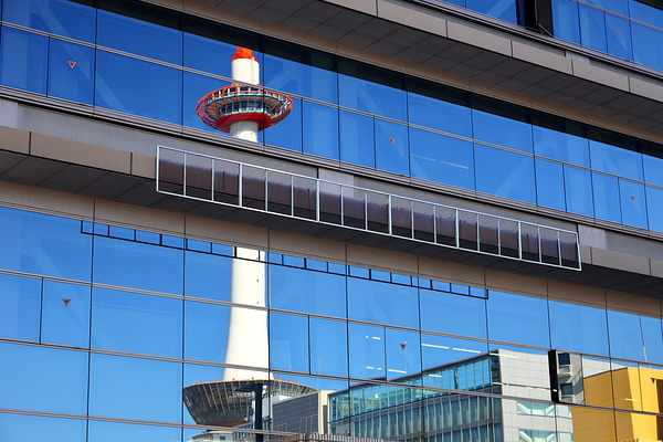 Kyoto Tower reflected