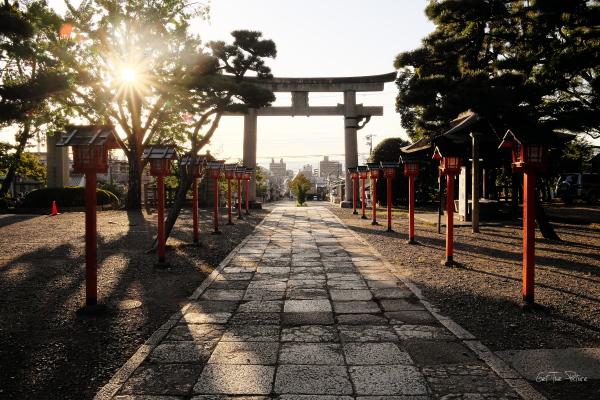 the Sun goes down on Toyokuni Shrine