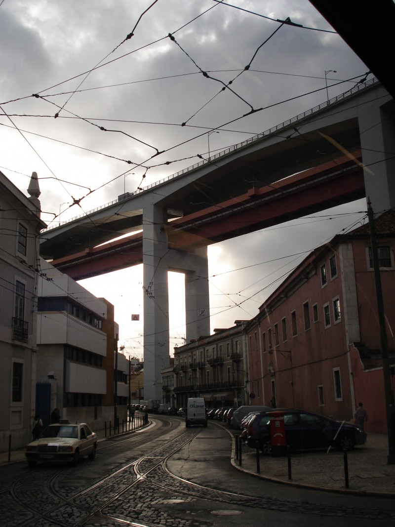 Debaixo da ponte 25 de Abril