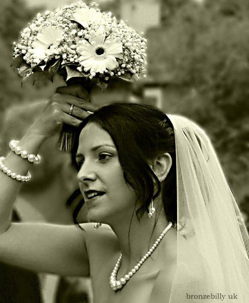Carrie neice wedding rain mono portrait bronzebill
