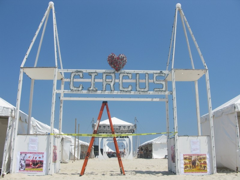...the circus...