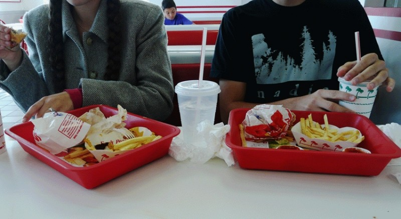 Kit and Carly eating in n out burgers
