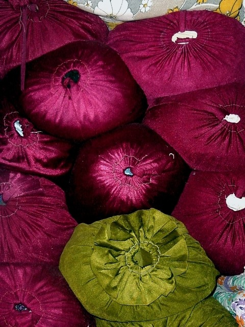 Pillows in walnuts' valley!