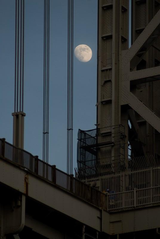 GWB with moon