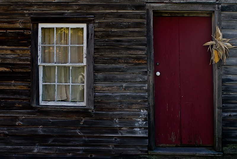 red door at Millbrook Village