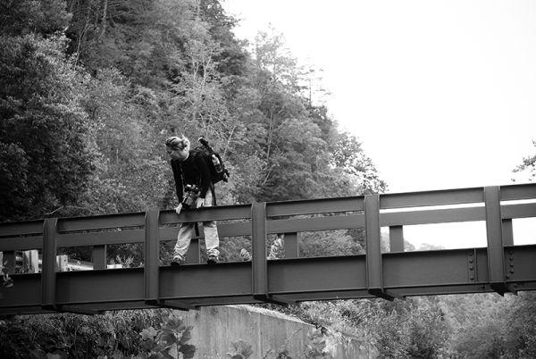 Betsy crossing unfinished footbridge over Delaware