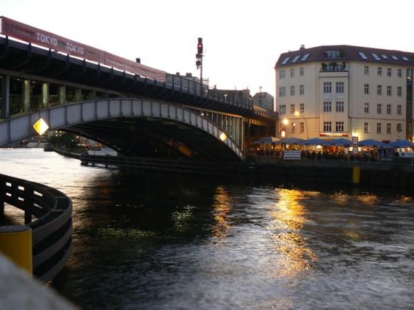 berlin river friedrichstrasse