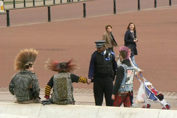 london people Buckingham Palace