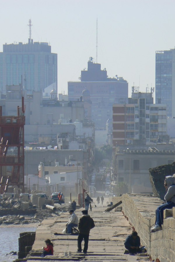 Montevideo puerto escollera