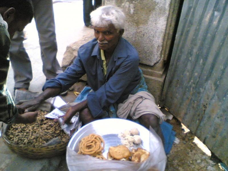 Chakkuli Vendor