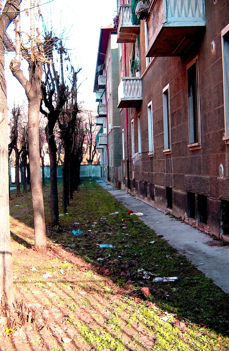 backyards in Corvetto public housing