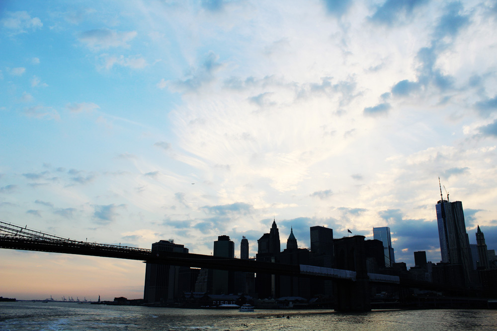 nyc silhouette fron hudson river