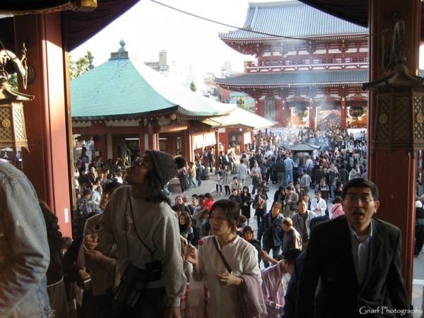 Busy day at Asakusa temple