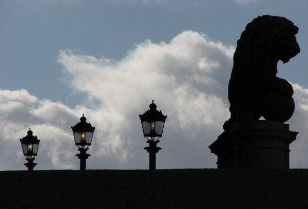 Les 3 lanternes et le lion