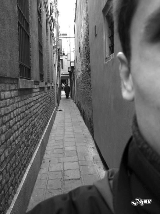 venice shoulder street