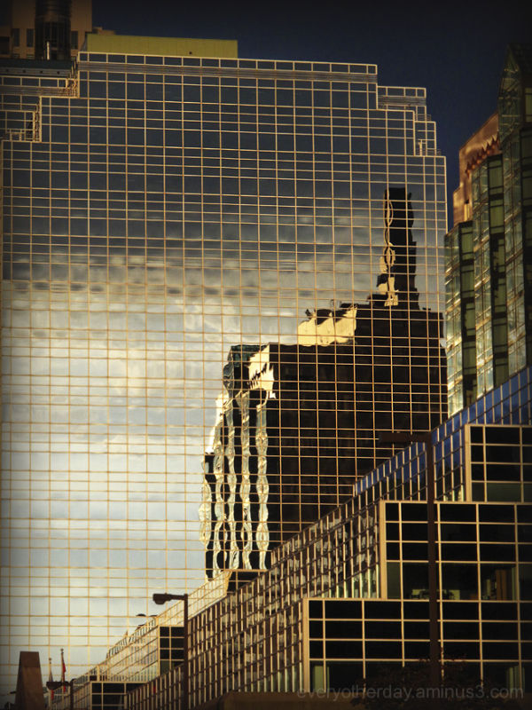 lines_refelection_sunset