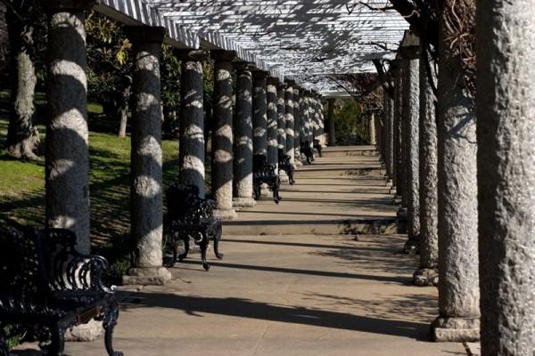 Garden colonnade