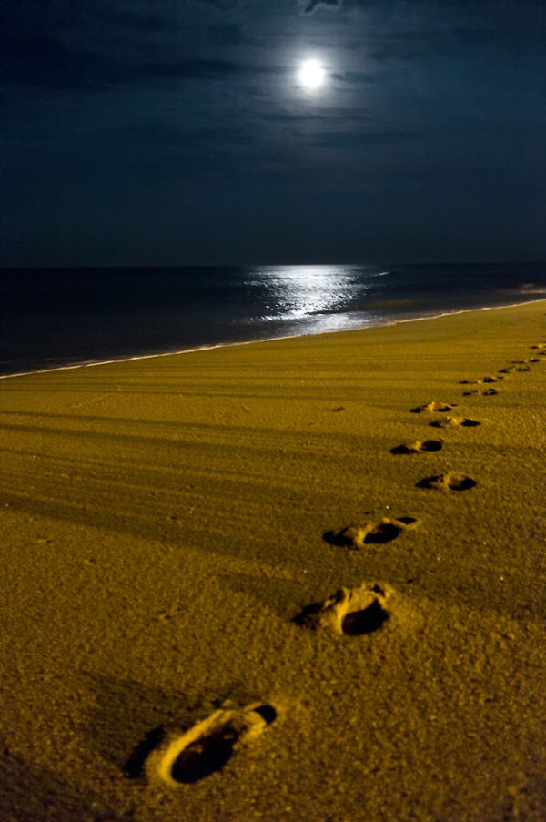 Night footprints