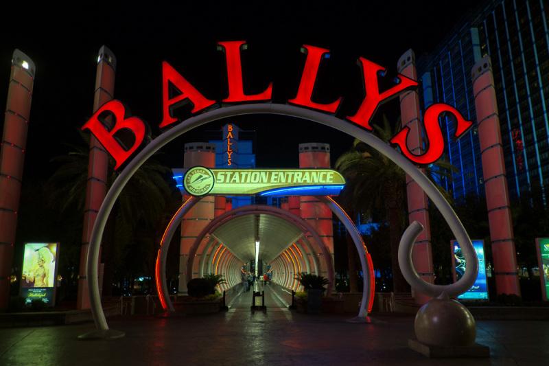 Ballys station entrance
