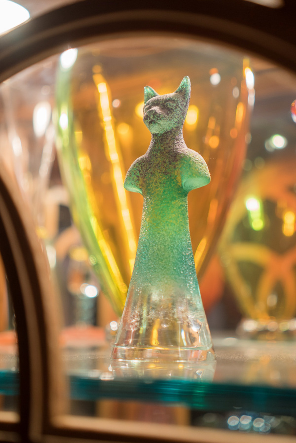 Glass cat