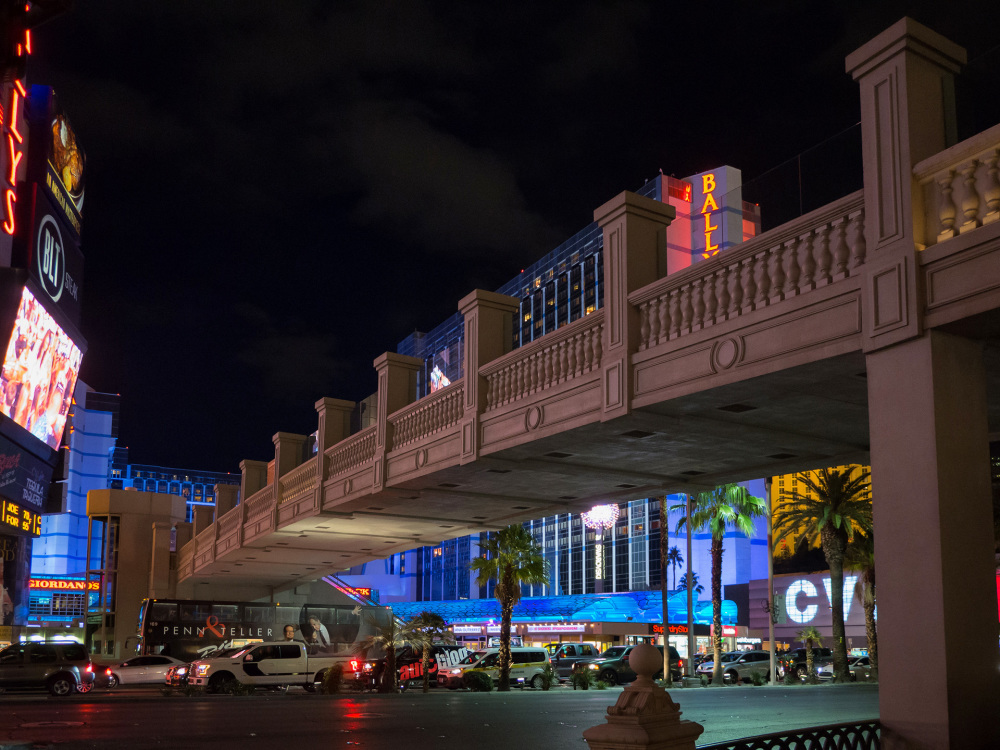 Pedestrian bridge over Las Vegas Boulevard