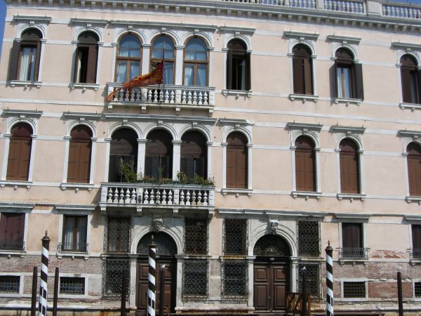 windows of venetia