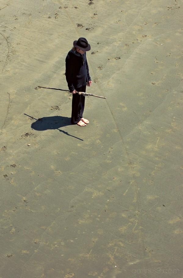 Beach artist prepares