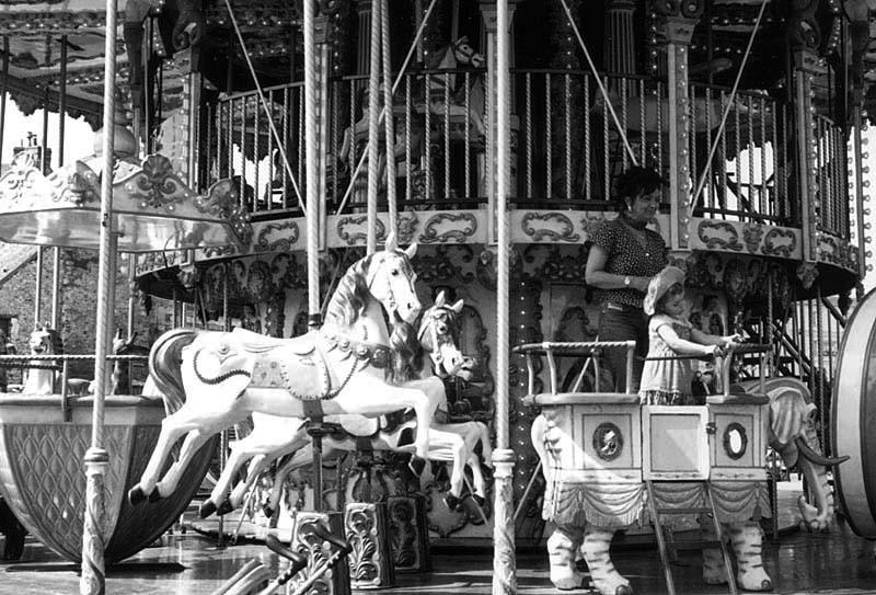 Ride on merry-go-round