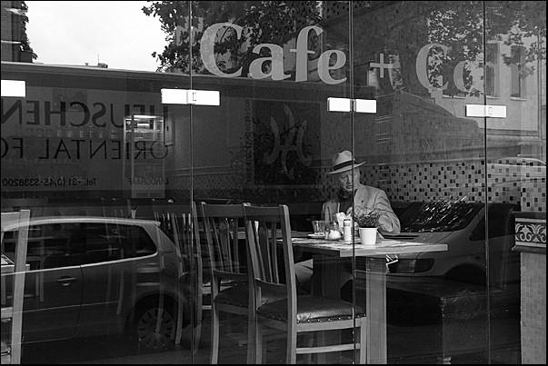 Cafe + Comic