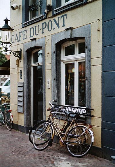CAFE DU-PONT