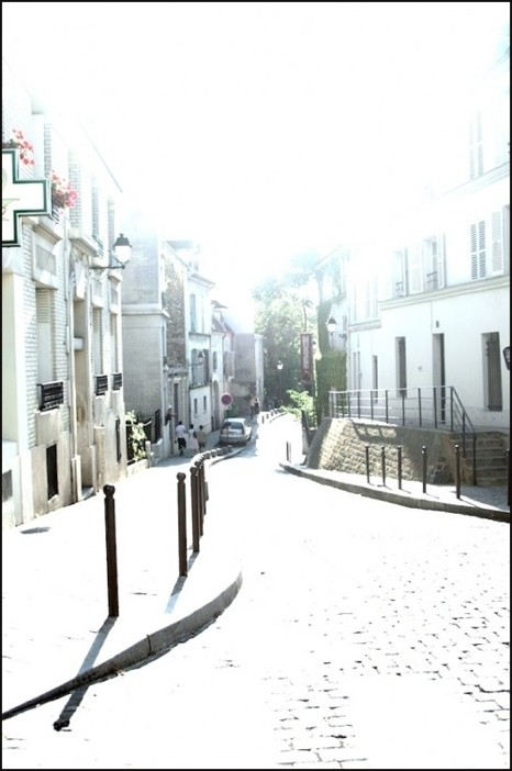 Circa le Sacre Coeur in june (AKA looking for her)