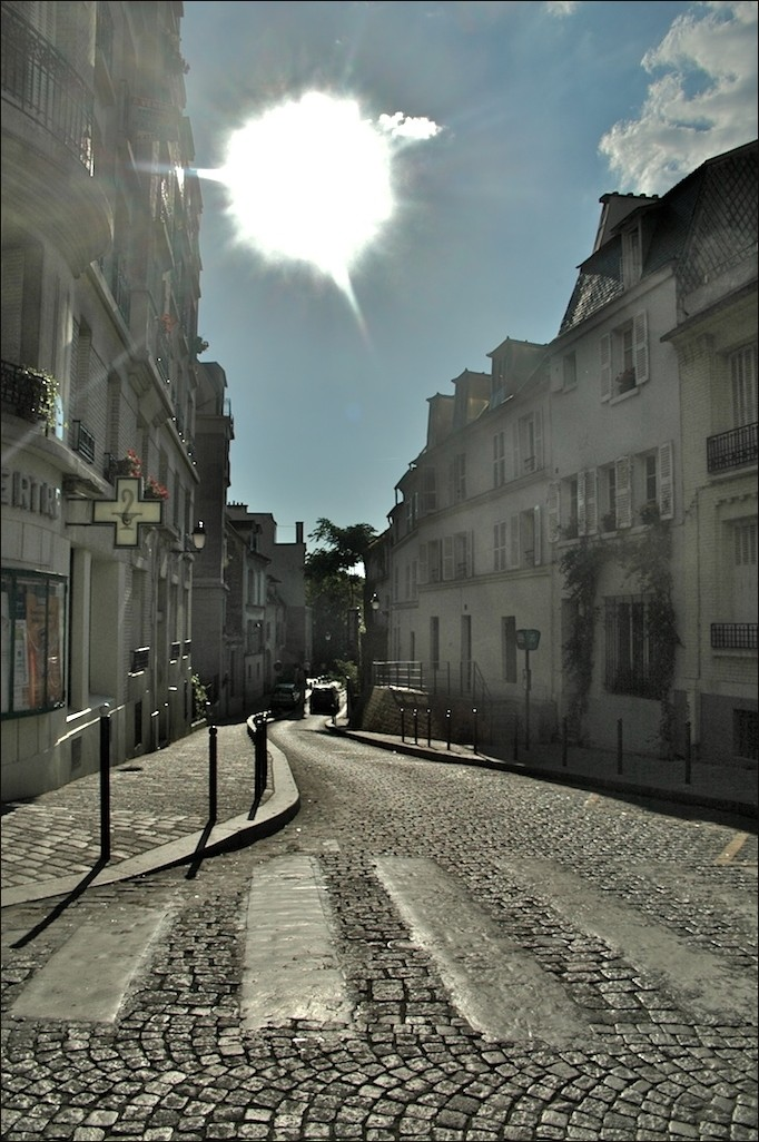 Circa le Sacre Coeur in june2(AKA looking for her)