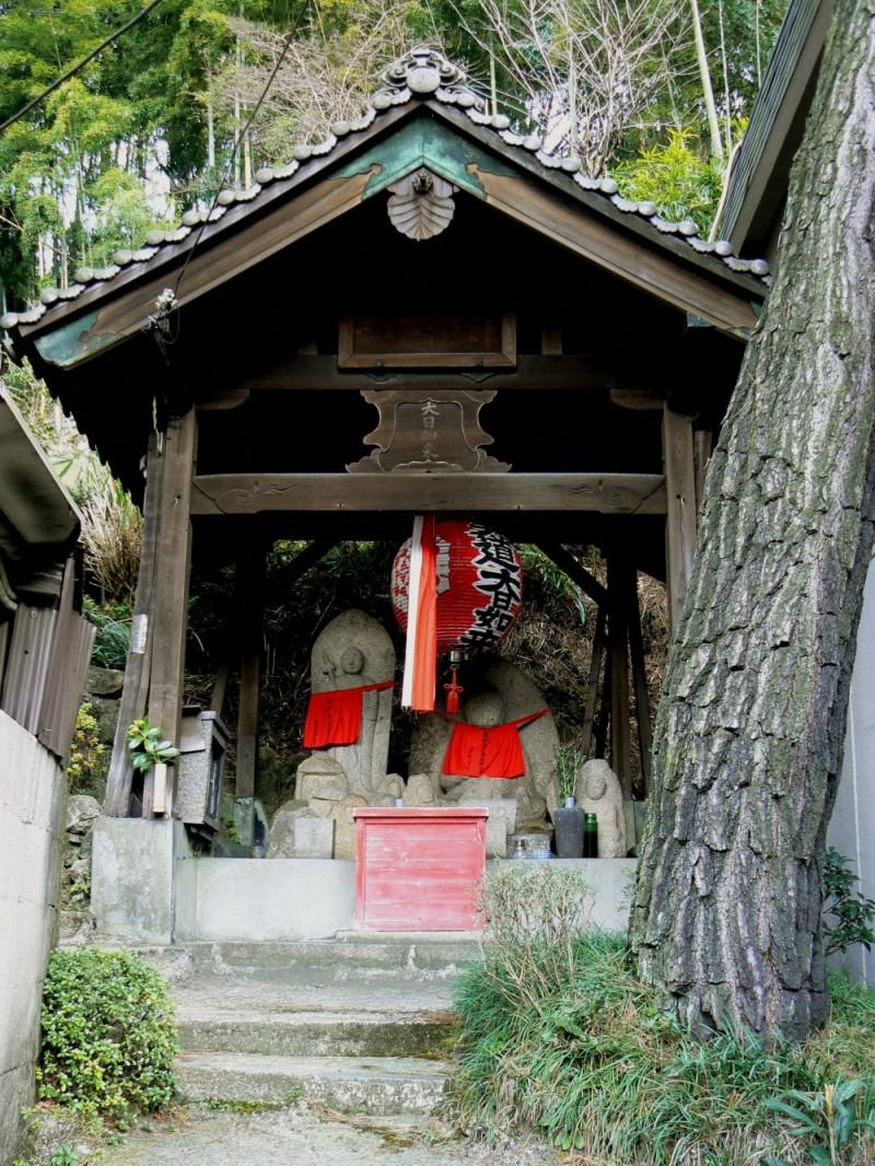 Shrine at Keage