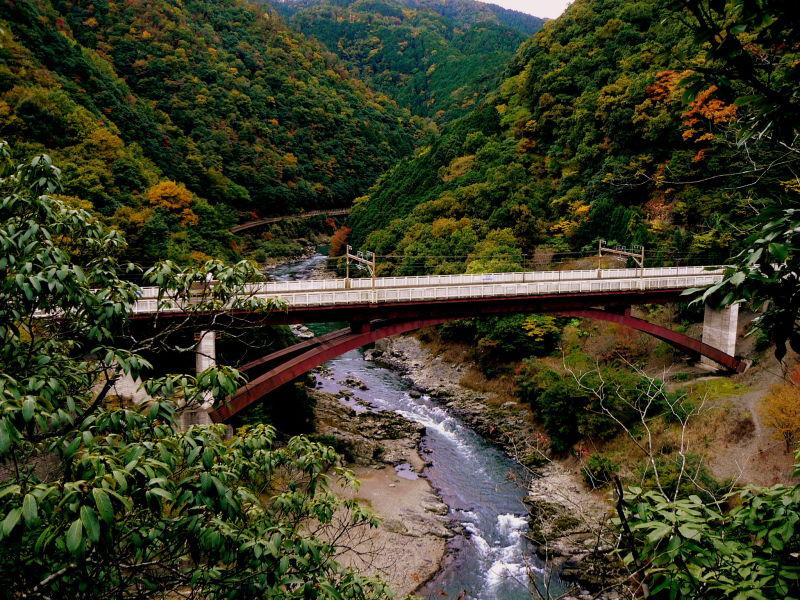 Hosokyou Station bridge