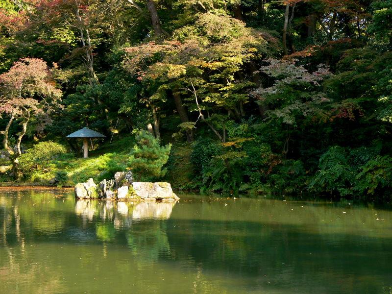Pond at Kenrokuen