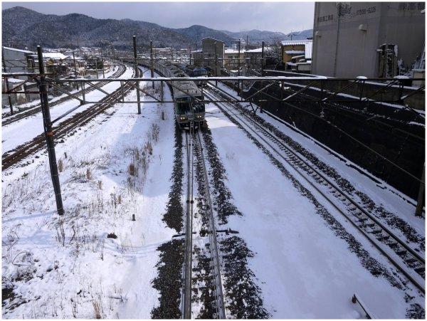JR train in snow