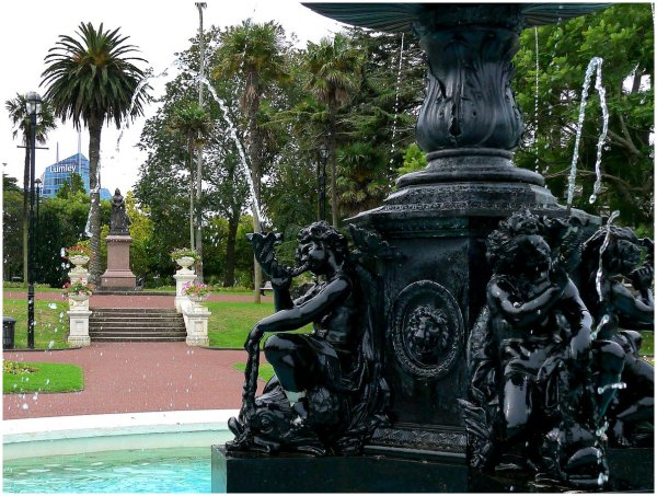 Fountain in the gardens of Auckland University
