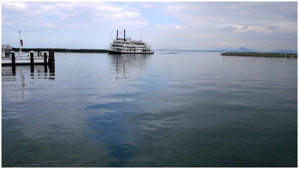 Tourist boat cruising into harbour