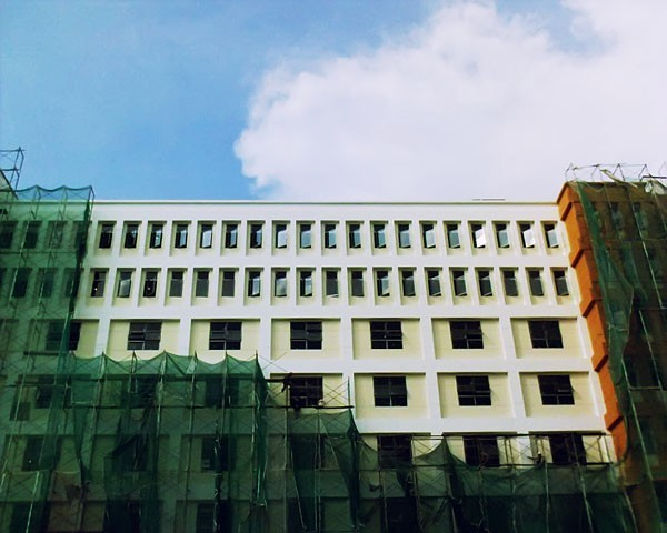 an undressed building