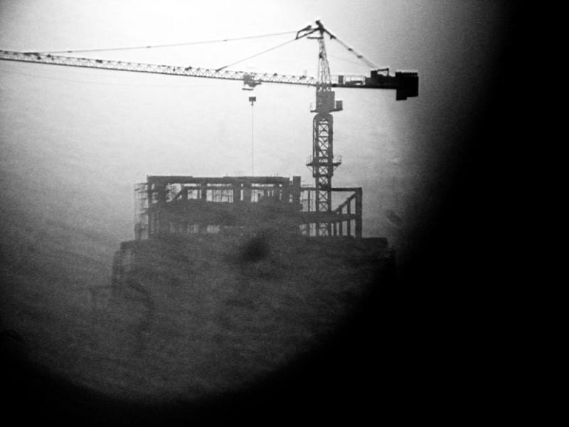 crane in action through the lenses