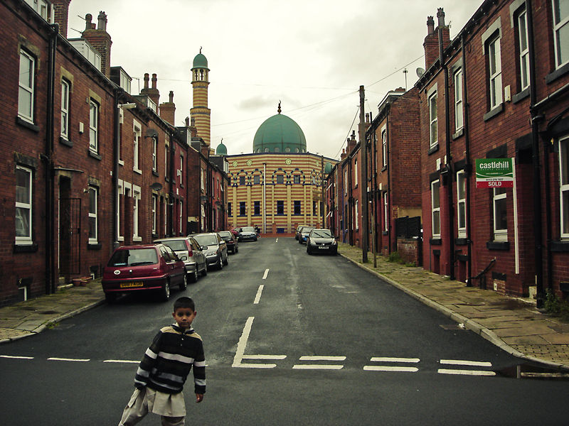 kids in the my frame when shooting a mosque