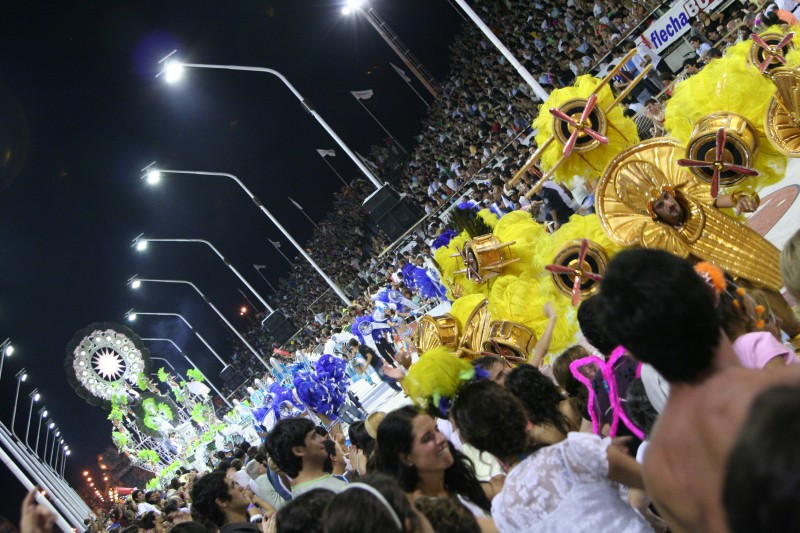crowd at carnaval gualeguaychú