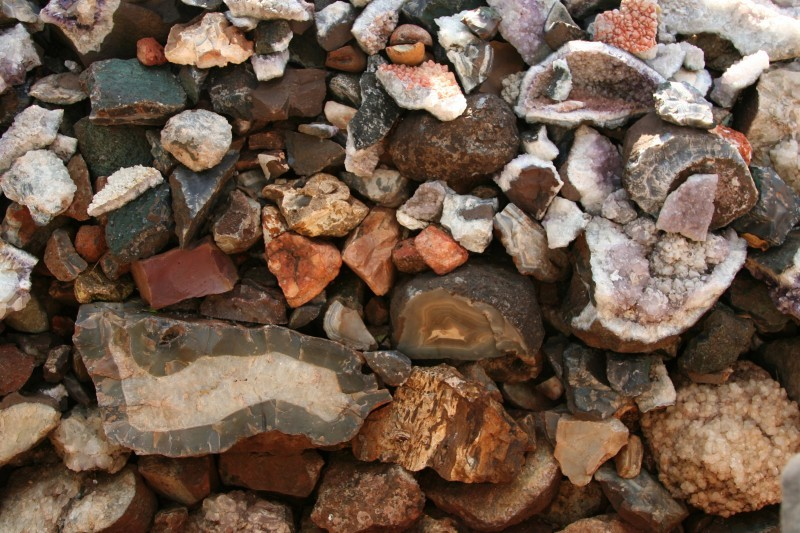pile of agates