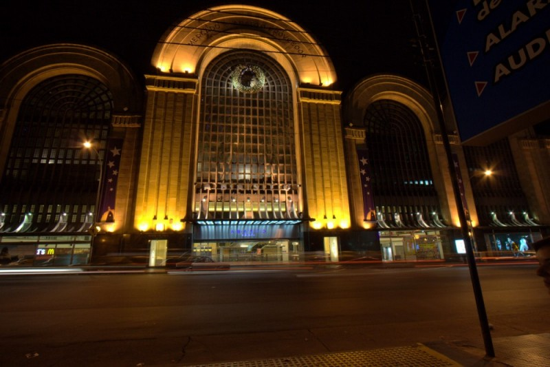 abasto mall at night