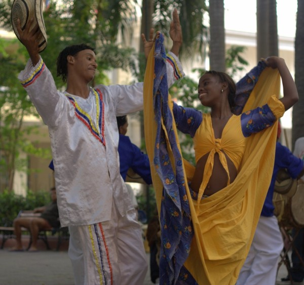 afrocaribbean dancers in cartagena