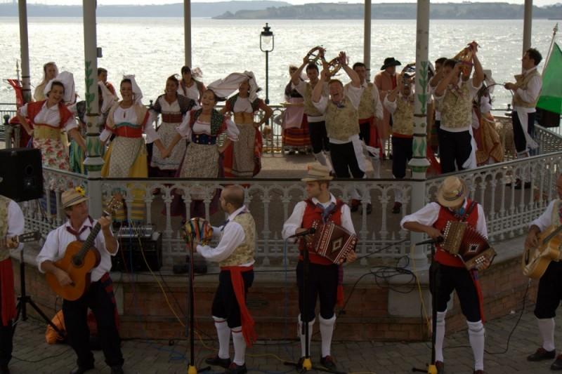italian folk singers in cobh