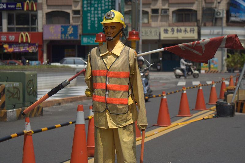 arm-waving construction guy