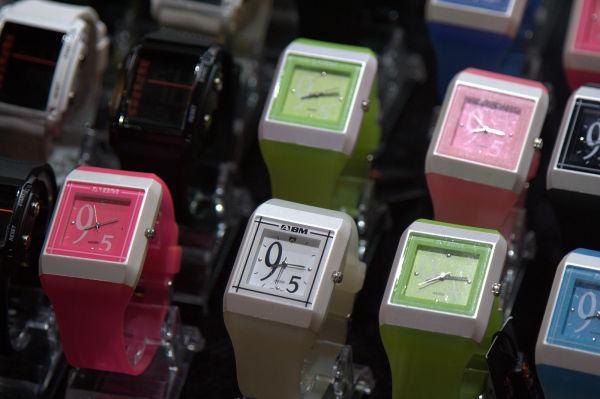 liohe night market watches