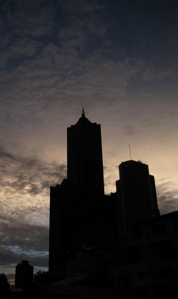 85-storey silhouette