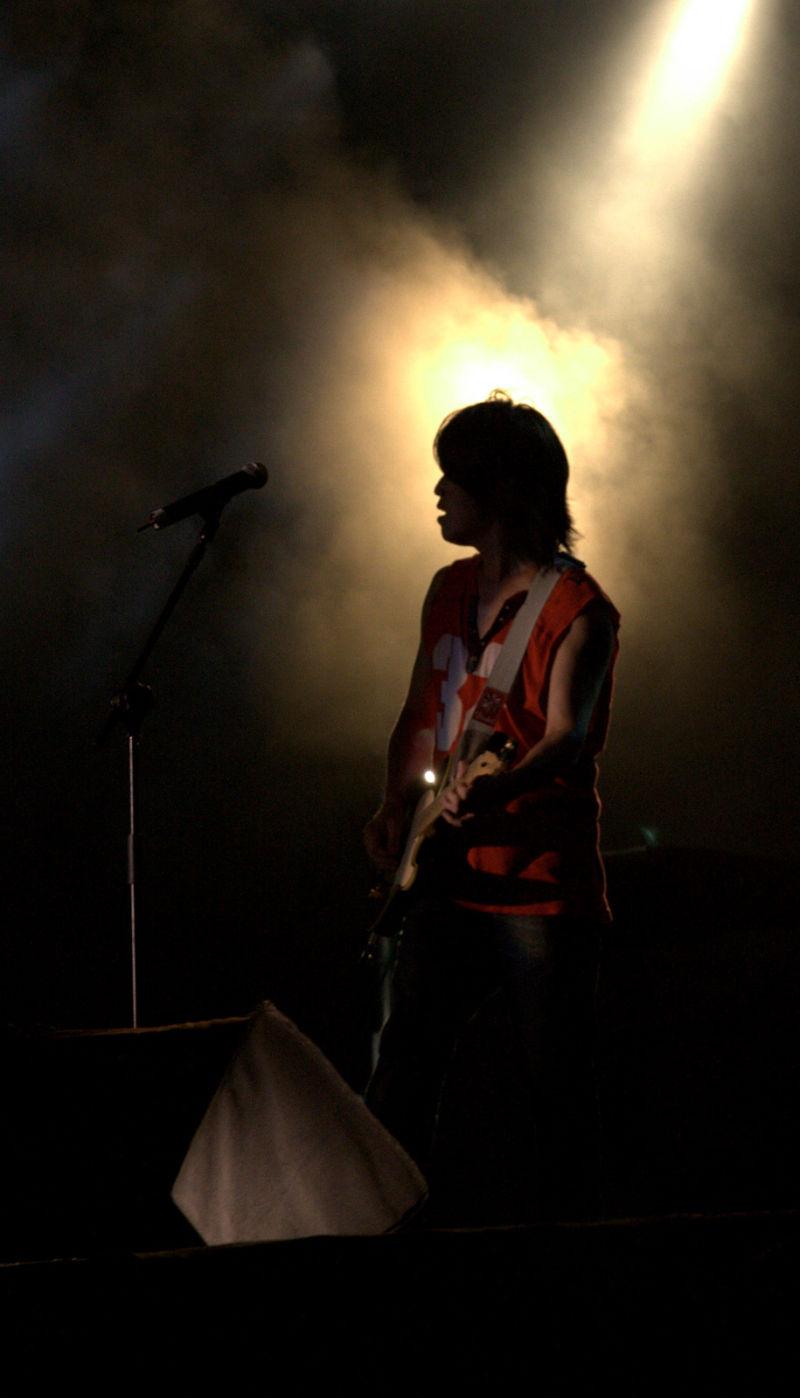 rock musician silhouette
